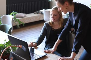 Read more about the article What To Do If Your Boss Is A Micromanager